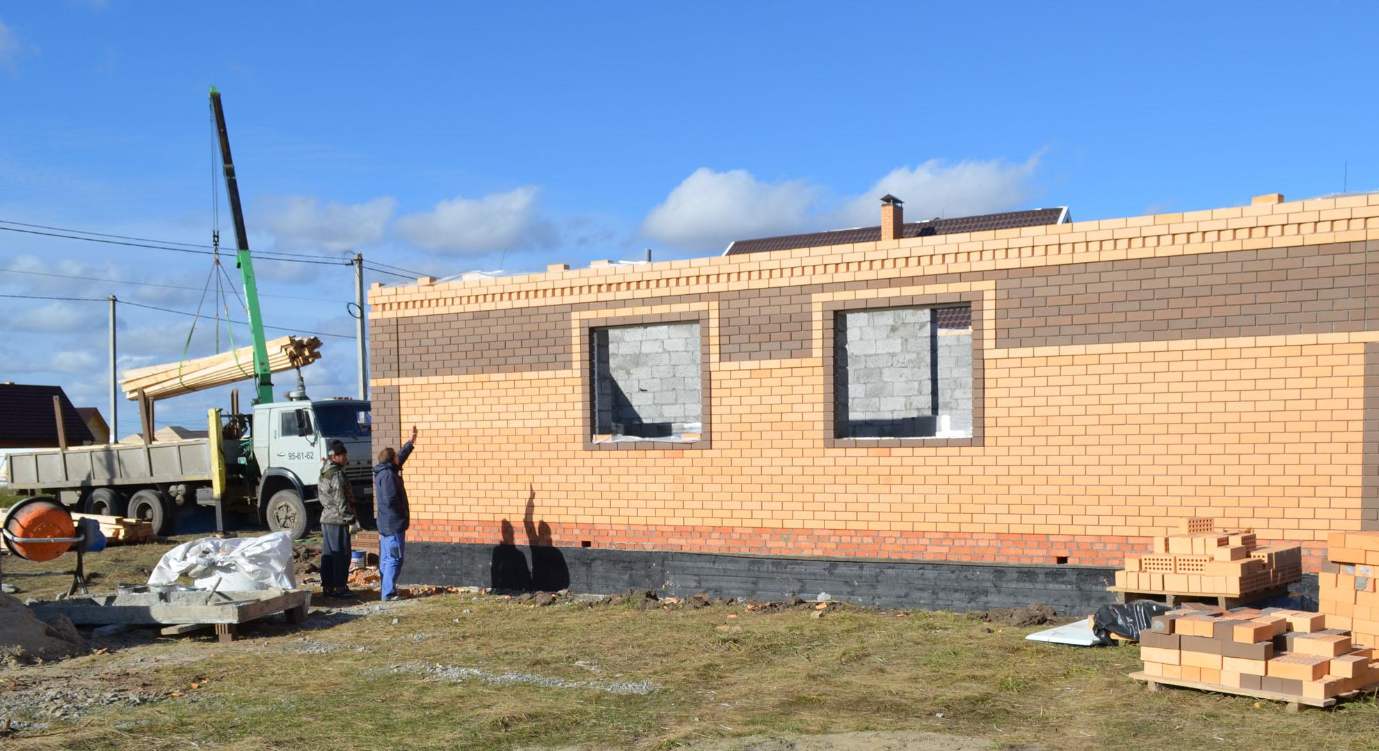 Начало строительства крыши одноэтажного дома