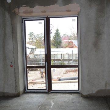 В доме по проекту Сирень большие окна