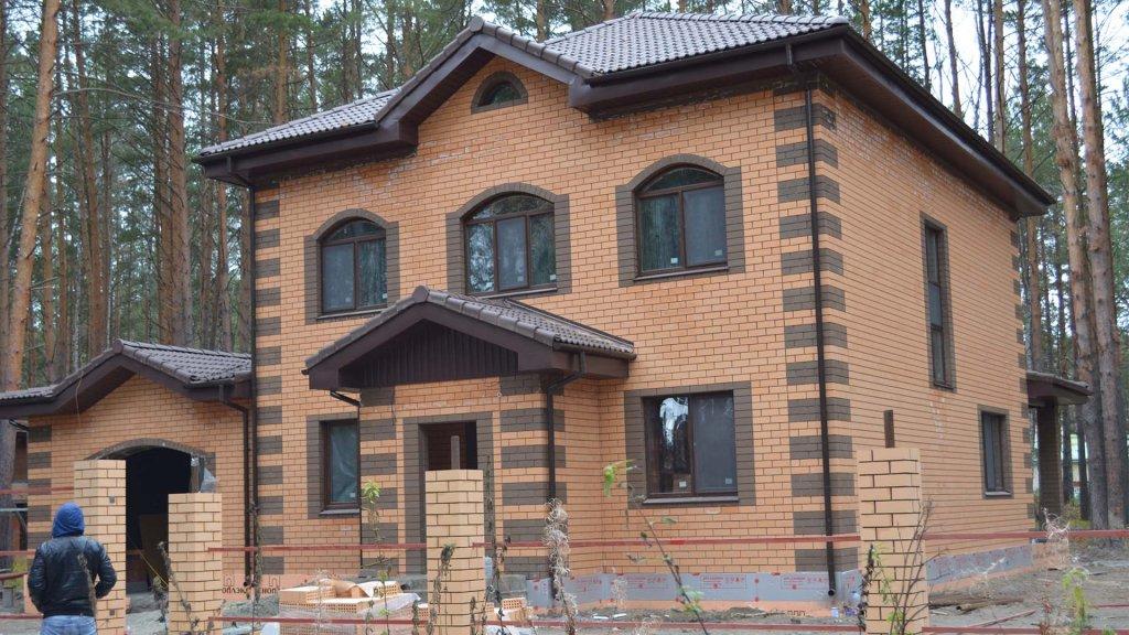 """Строительство дома с гаражом """"Усадьба на Береговой"""""""