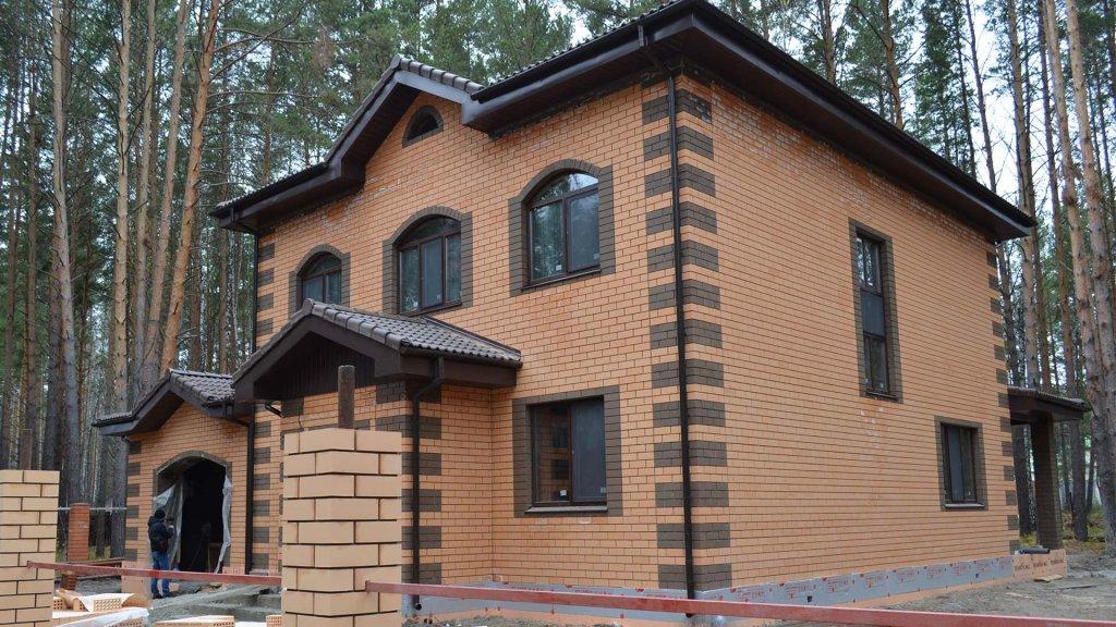 """Дом построен компанией """"Веванта"""" по проекту """"Усадьба на Береговой""""."""