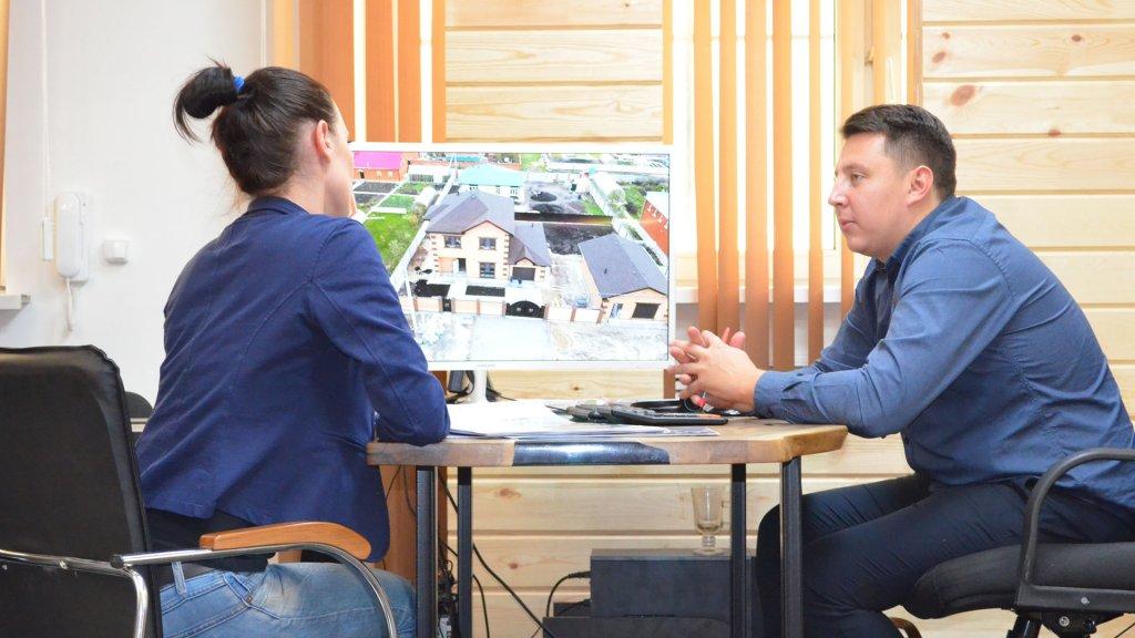 Обсуждение проекта дома с клиентом Веванта
